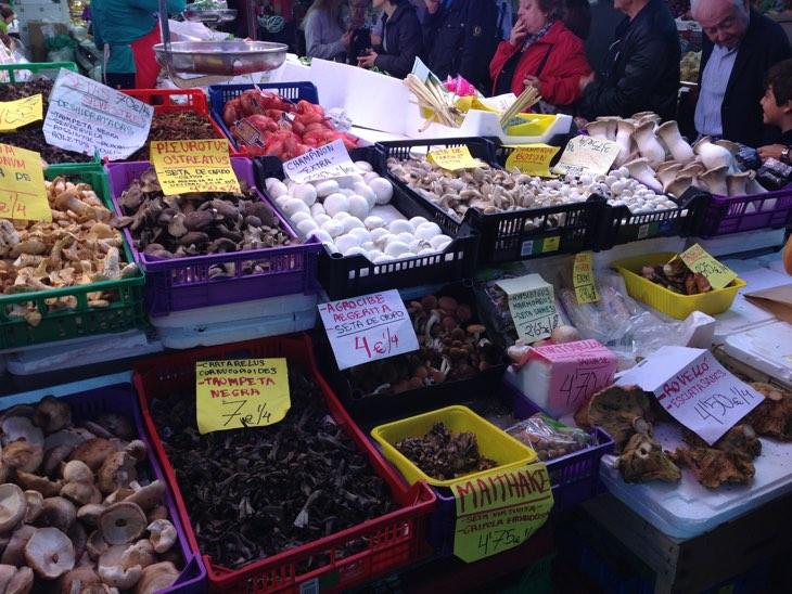 грибы на рынке валенсия