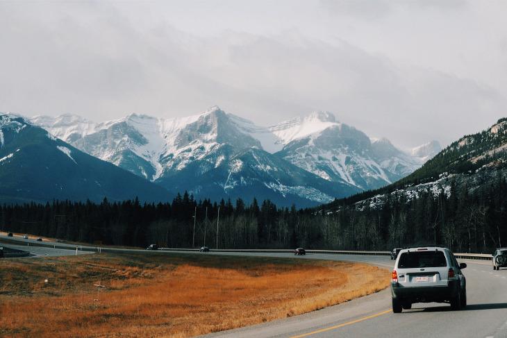 путешествия по дорогам аренда автомобиля