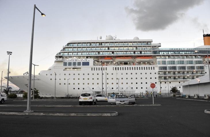 ship costa neoromantica