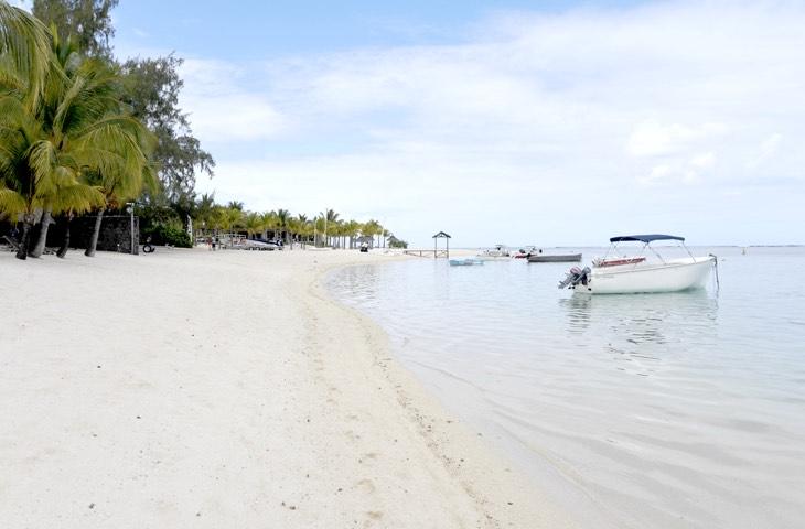 best beach mauritius