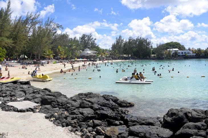 beach for locals mauritius