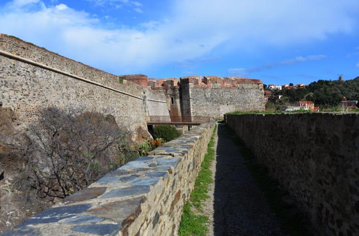 замки франция