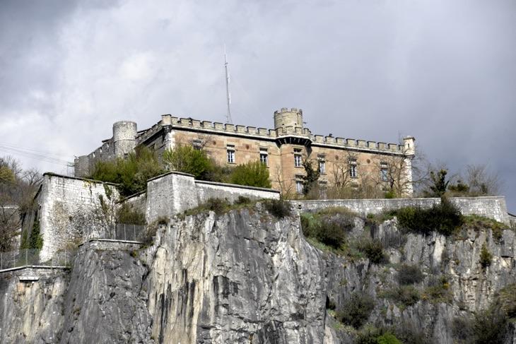 castle grenoble