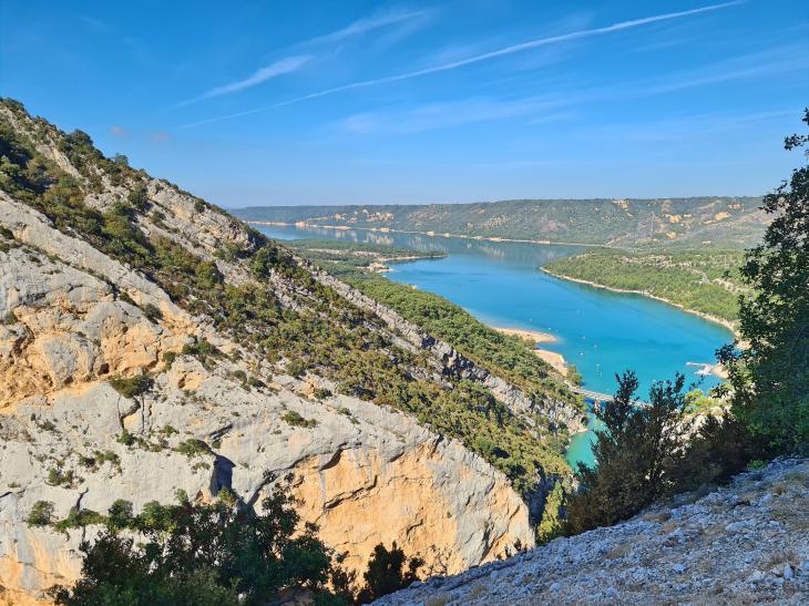 голубое озеро прованс